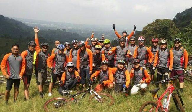 jersey club sepeda